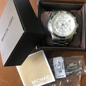 Michael Kors GREAT CONDITION! Silver chunky watch